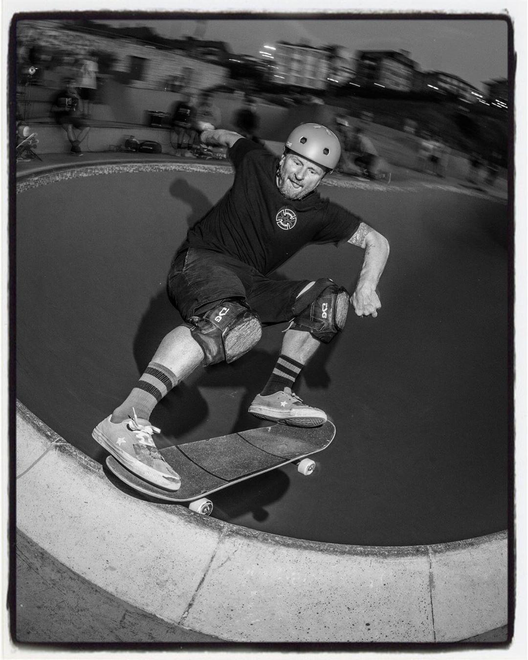 The Killer 50-50 session article from the La Kantera skatepark is online now. Anders, tailslide in the Kidney Pool. Story and more photos over here: www.bailgun.com/category/news @anderstellen @zutskateparks @ortxustrofps @lakanteraskateskola